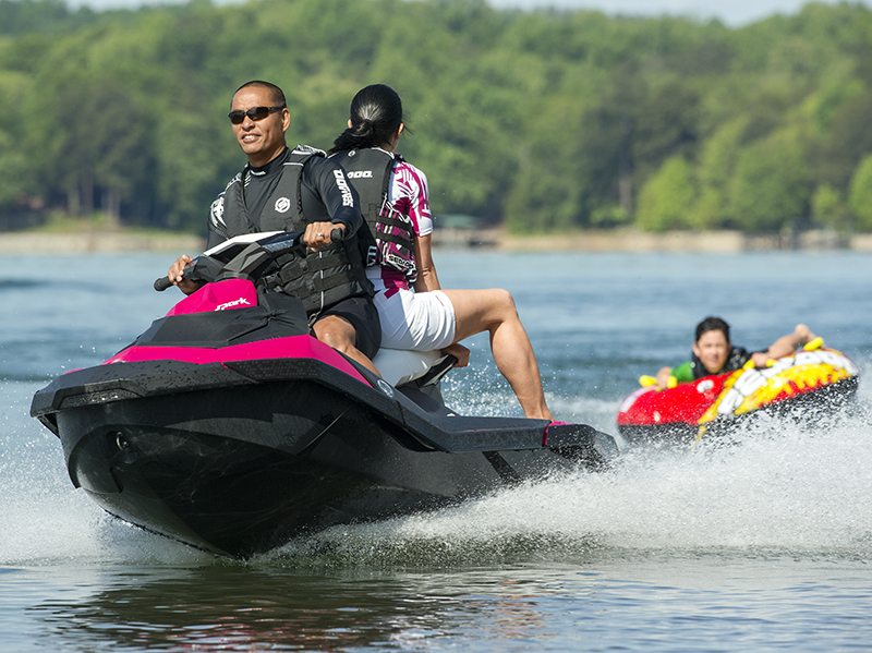 videos yamaha blasts new sea doo spark with comparison videos the watercraft journal the. Black Bedroom Furniture Sets. Home Design Ideas
