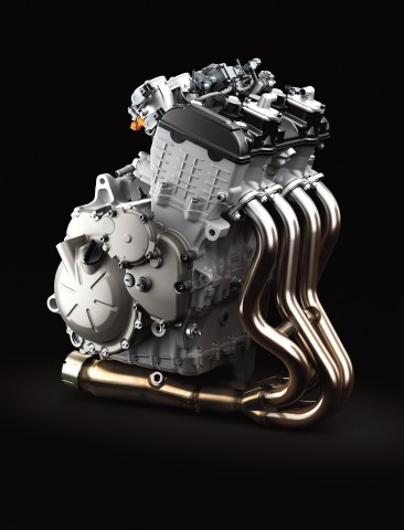 16_ZX636F_Styling_Engine01_Y13_R.high