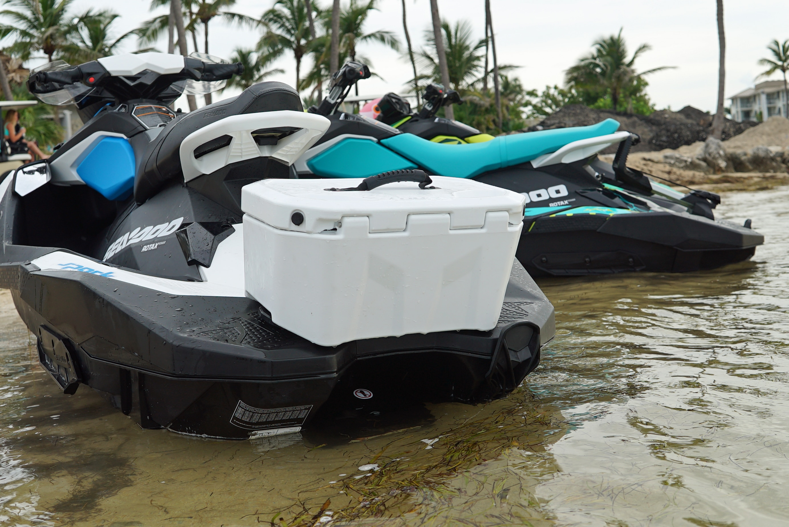 2019 Sea-Doo SPARK LinQ cooler_a