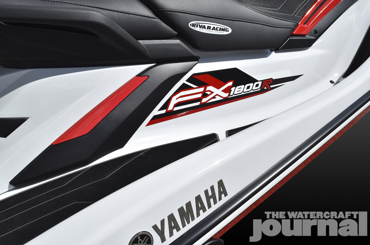 2019_RIVA_FX1800R_Graphics_View