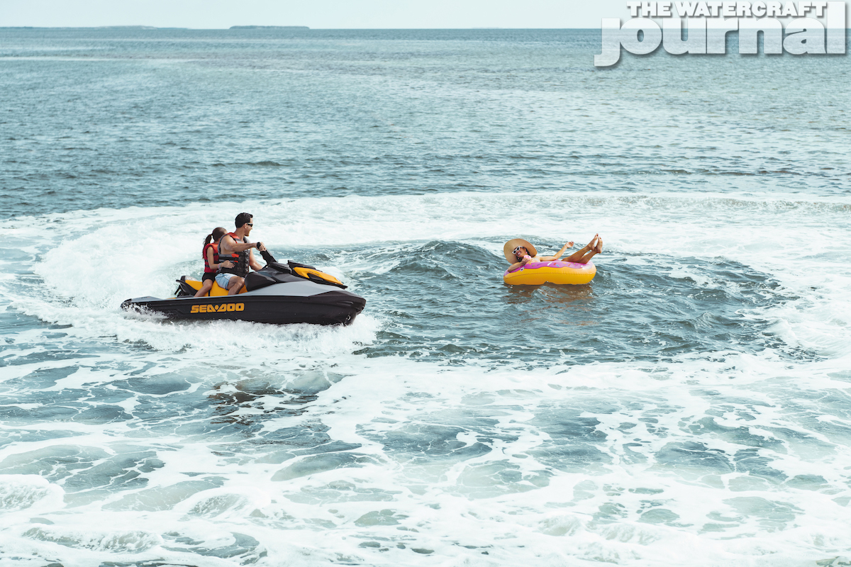 2020 Sea-Doo GTI SE 170 Action - Donuts_a