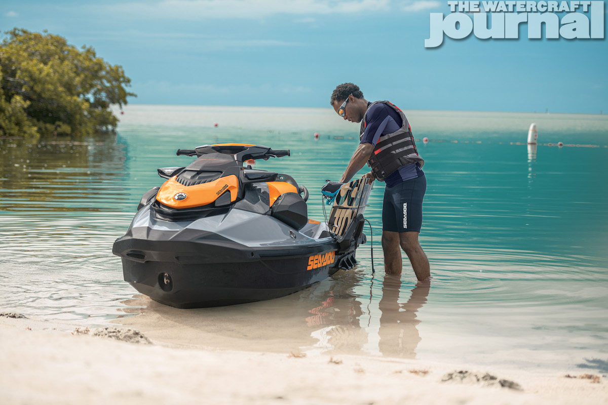 2020 Sea-Doo GTI SE 170 Static_c