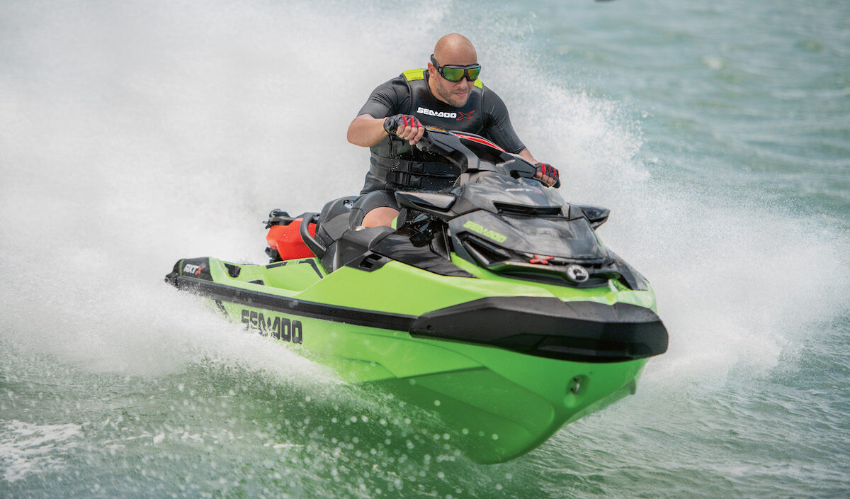 2020 Sea-Doo RXTX_action_a